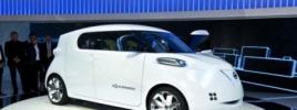 Стенд Nissan на авто выставке в Токио